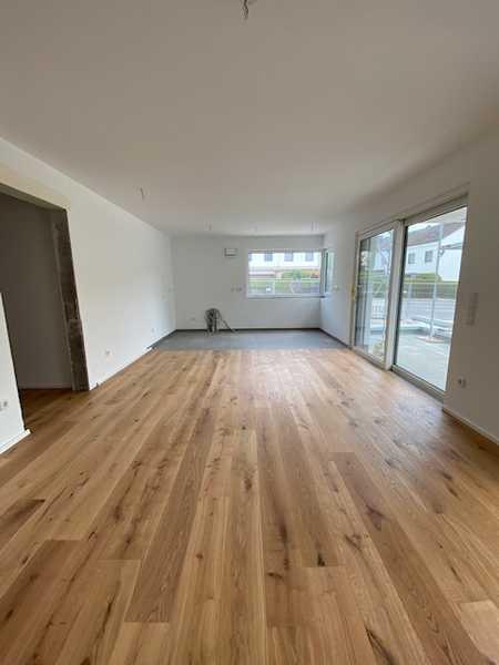Erstbezug: stilvolle 3-Zimmer-OG-Wohnung mit Einbauküche und Balkon in Neusäß in Neusäß