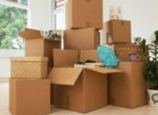 Handwerker aufgepasst:2 Zimmer mit riesiger Wohnküche