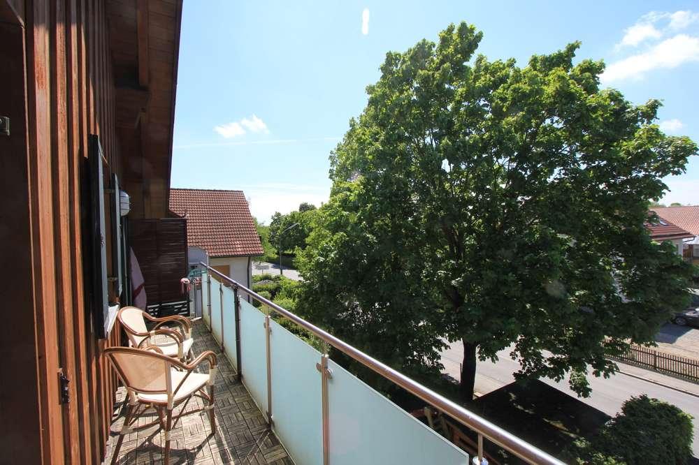 Großzügig geschnittene 3-Zimmerwohnung mit Westbalkon in Berglern! in Berglern