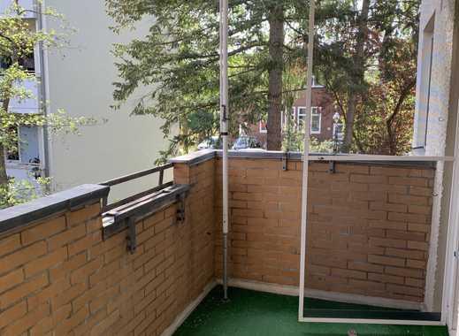 Attraktive 3-Zimmer-Wohnung mit Einbauküche und Balkon in Spandau, Berlin
