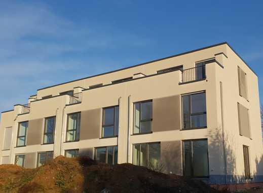 Reihenhaus-Neubau in Solingen-Wald, stadtnah, grün und ruhig mit Weitblick in die Rheinebene