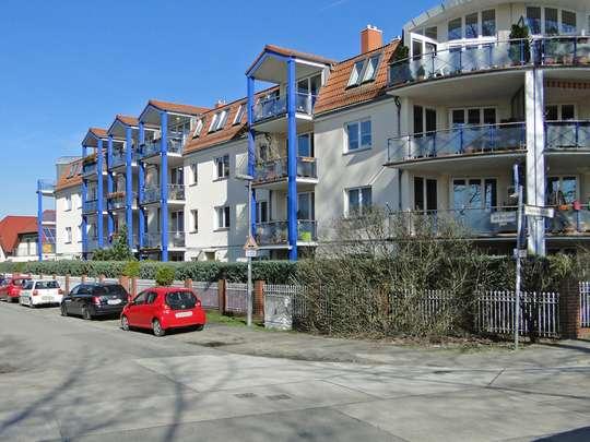 Moderne 3-Zim.-Wohnung mit PKW-Stellplatz und Garten - Bild 17