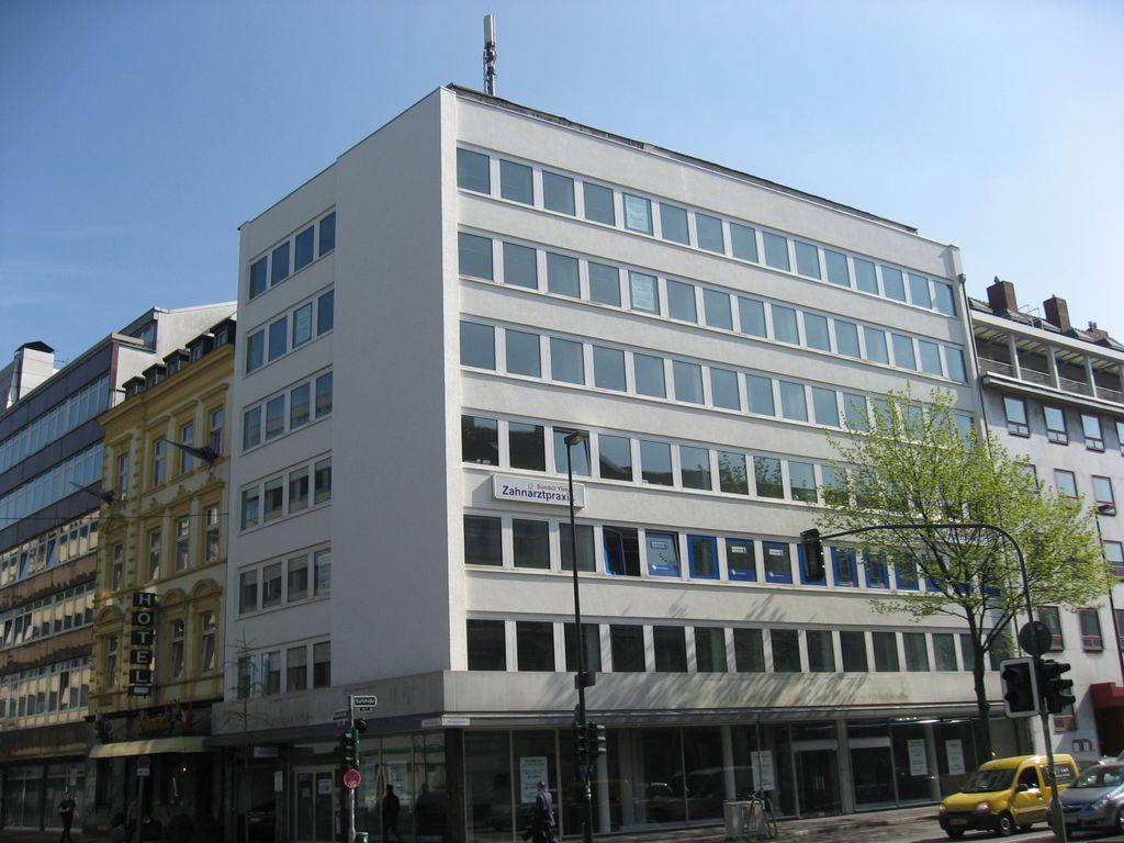 Büro- & Geschaftshaus