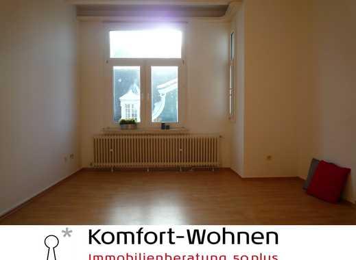 Charmante Altbau-Wohnung in der City - 3-Zimmer-Wohnung mit Wannenbad