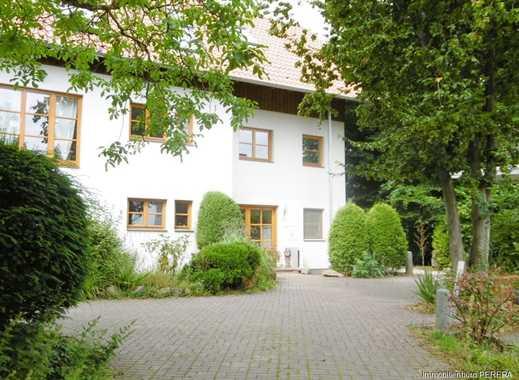 Charmante 6 Zi. Maisonettewohnung  in Bonn Ückesdorf mit  idyllischem Garten, Schwimmhalle u. Garage