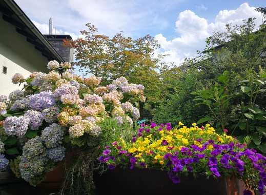 Großzügige und super helle 4-Zimmer-Wohnung mit Wintergarten, Kamin und Garten