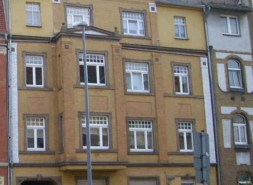 Schöne und attraktive 4-Zimmer-Dachgeschoss- Wohnung mit Balkon im Zentrum Bitterfelds