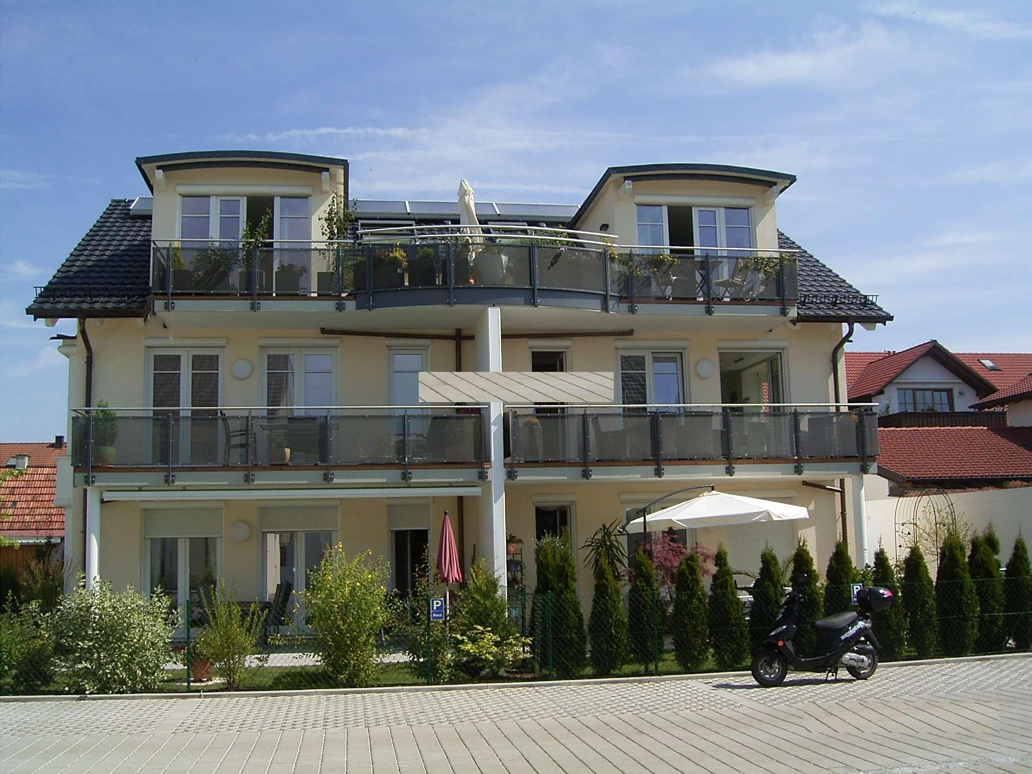 Exklusive, neuwertige 2-Zimmer-Sonnen-Wohnung mit großem Balkon  in Olching (FFB)