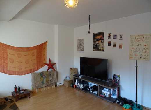Köln Südstadt: 2-Zimmer-DG-Wohnung mit Einbauküche