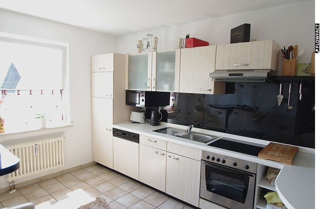 Helle, großzügige 3-Zimmer-Wohnung mit Einbauküche und Garage - Weidhausen