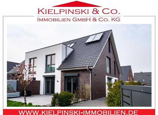 ! Moderne, neuwertige Doppelhaushälfte !