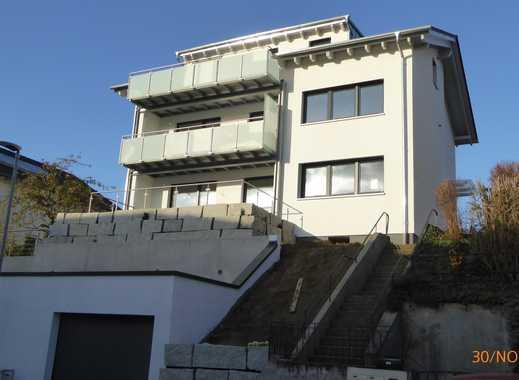 Modernisierte 2-Zimmer-Wohnung mit Balkon in Königsbach