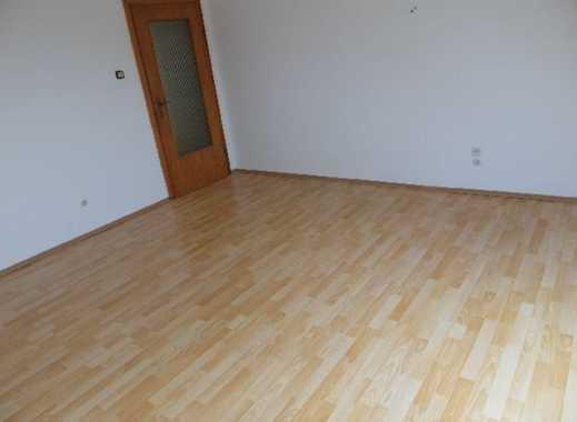 Ruhige schicke zentrale helle große 3 Zimmer-Wohnung mit Badewanne und Garten in Bad Eilsen