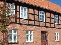Historische Appartmenthäuser in unmittelbarer Wassernähe