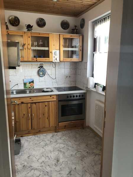 Exklusive, geräumige und gepflegte 1-Zimmer-Wohnung mit Balkon und EBK in Solln, München in Solln (München)