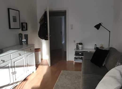 Gepflegte 2-Zimmer-Wohnung mit Balkon und EBK in Ackerstraße