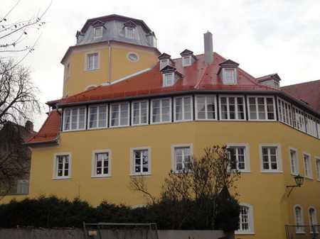 Außergewöhnliche Altstadtwohnung in einem historischen Wohnhaus mit Oktogonturm in Regensburg-Innenstadt