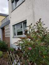 Modernes Reihenendhaus mit EBK Terrassen
