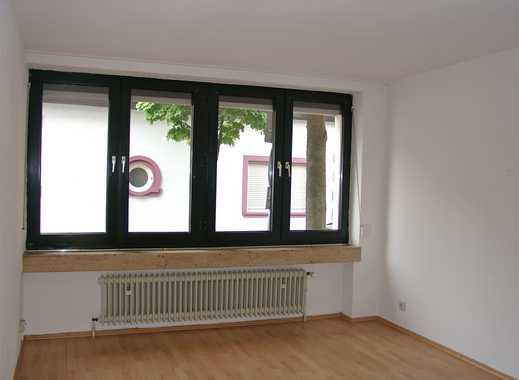 POCHERT IMMOBILIEN - Sehr schöne, kleine 2-Zimmer-Wohnung mit Balkon in ruhiger Citylage