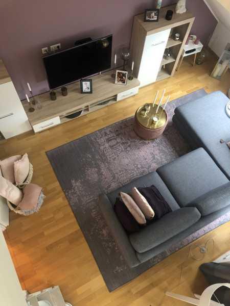 Schöne, geräumige zwei Zimmer DG-Wohnung in München, Allach in Allach (München)
