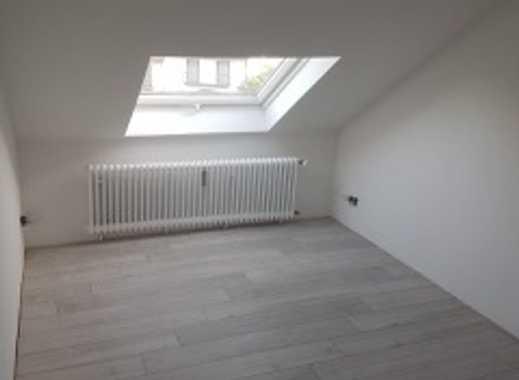 schöne sanierte 1,5 Zimmer Dachgeschosswohnung