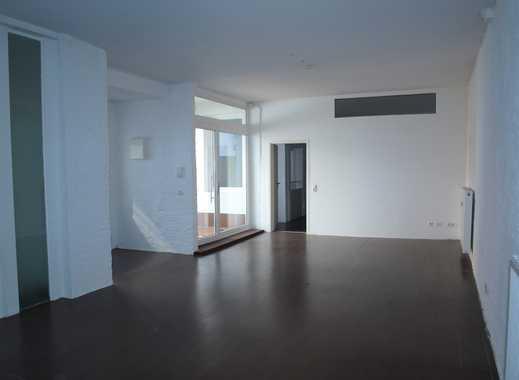 Loftartige 2-Zimmer-Terrassen-Wohnung mit offener Küche in zentraler Lage