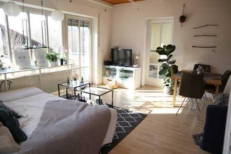 TOP 2,5 Zimmer-TRAUM!!! Galeriewohnung m. Terrasse, zentrumsnah, ruhig und extra Bonus!!! in Deggendorf