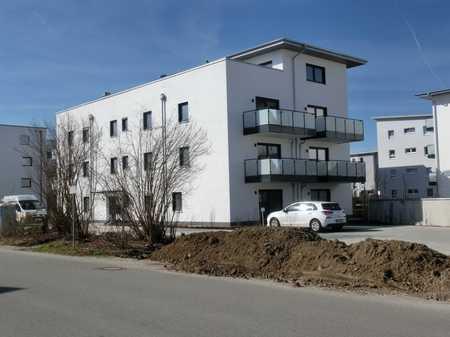 Super schicke  Stadtwohnung mit Einbauküche und Balkon , zentral gelegen. in Mühldorf am Inn