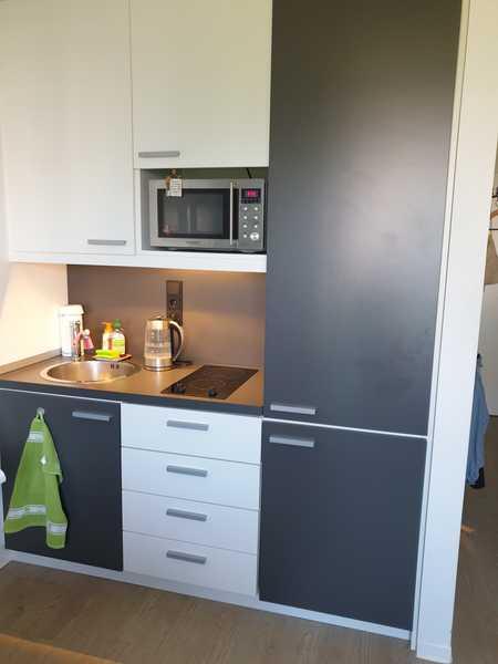 NUR FÜR STUDENTEN/AZUBIS 1-Zi.-Apartment mit Einbauküche in Obersendling, München in Obersendling (München)