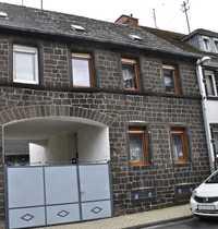 Gemütliches Bauernhaus mit Innenhof Scheune