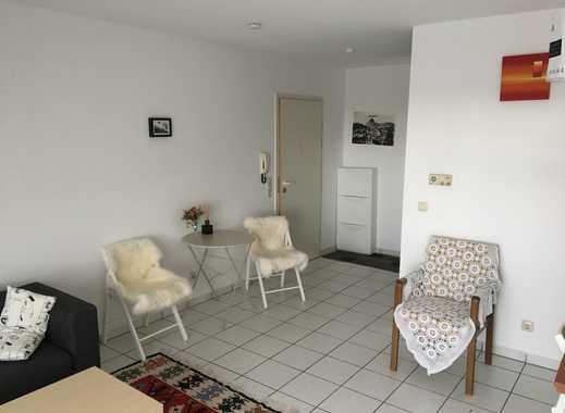 Gepflegte 2-Zimmer-Dachgeschosswohnung mit Balkon und Einbauküche in Worms