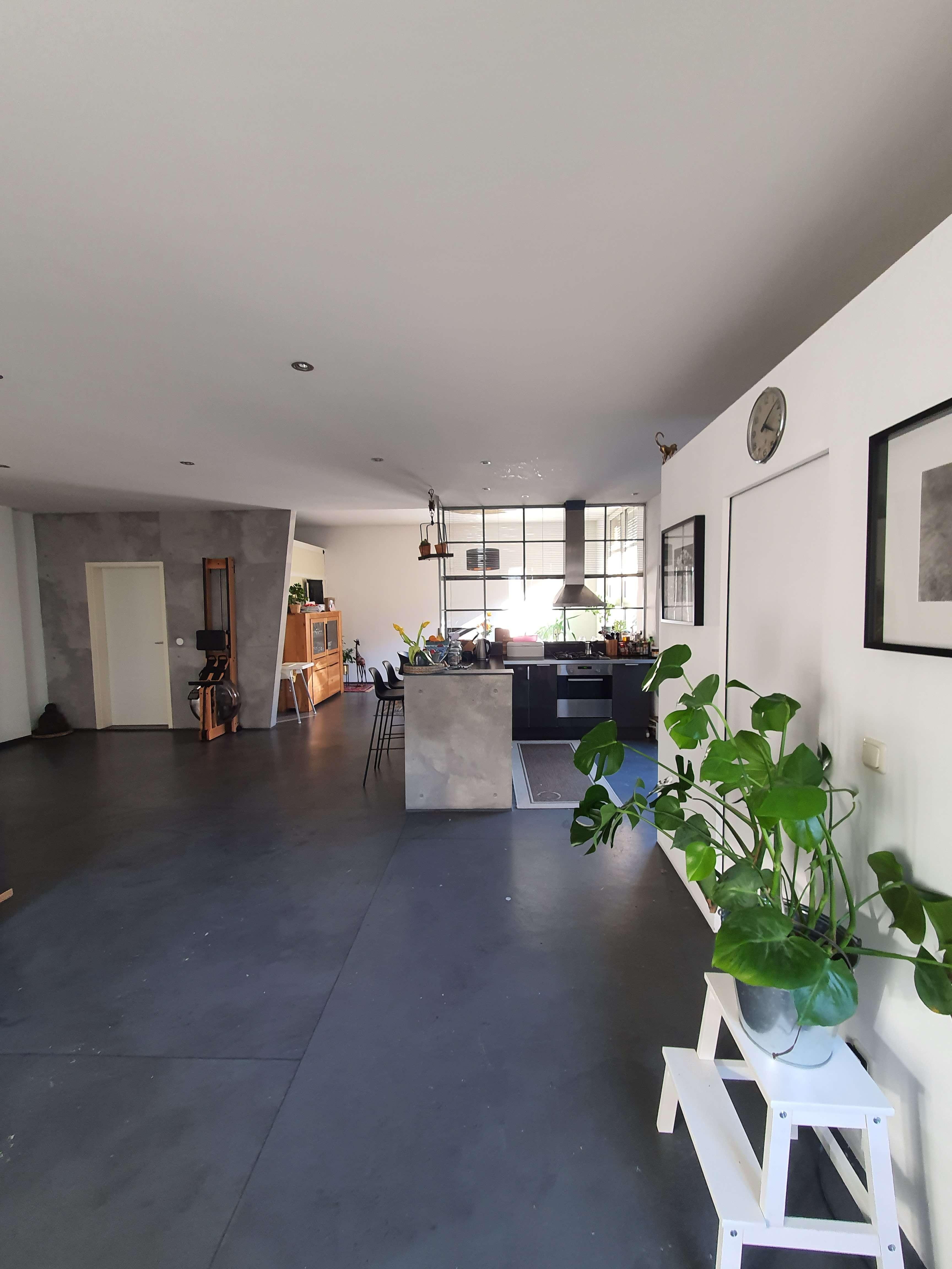 Hinterhof-Loft-Wohnung mit Balkon und Einbauküche in St. Johannis - Krugstraße in