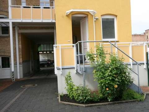 Außergewöhnliche Wohnung mit großer Wohnküche und separatem Zugang