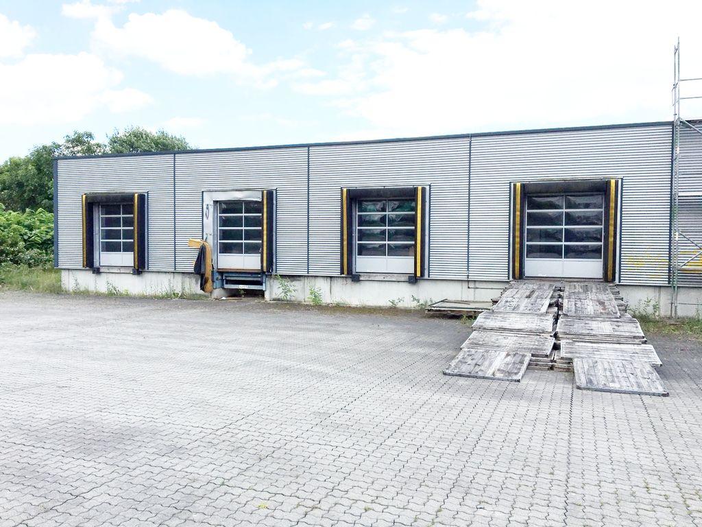 4300 m2 blocklager mit 4 rampentoren direkt neben der a4. Black Bedroom Furniture Sets. Home Design Ideas