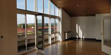 **Helle 3 ZKB-Wohnung - großer Balkon - zentrale Lage** in Regenstauf