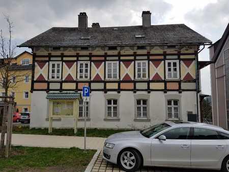 Erstbezug nach Sanierung: Bestlage - 5-Zimmer-Wohnung in Bad Steben in Bad Steben