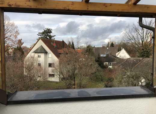 Helle & gepflegte 3-Zimmer-Dachgeschosswohnung mit Balkon und Einbauküche in Erlangen