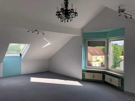 Gepflegte 2-Raum-Dachgeschosswohnung mit Einbauküche in Marktheidenfeld in Marktheidenfeld