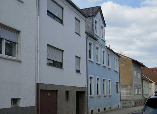 1-2 Familienhaus mit hübschem Garten in Citylage von St. Ingbert