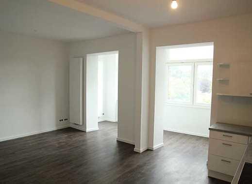 Großzügige 4-Zimmerwohnung mit Wintergarten und 2 Bädern in Wuppertal Elberfeld