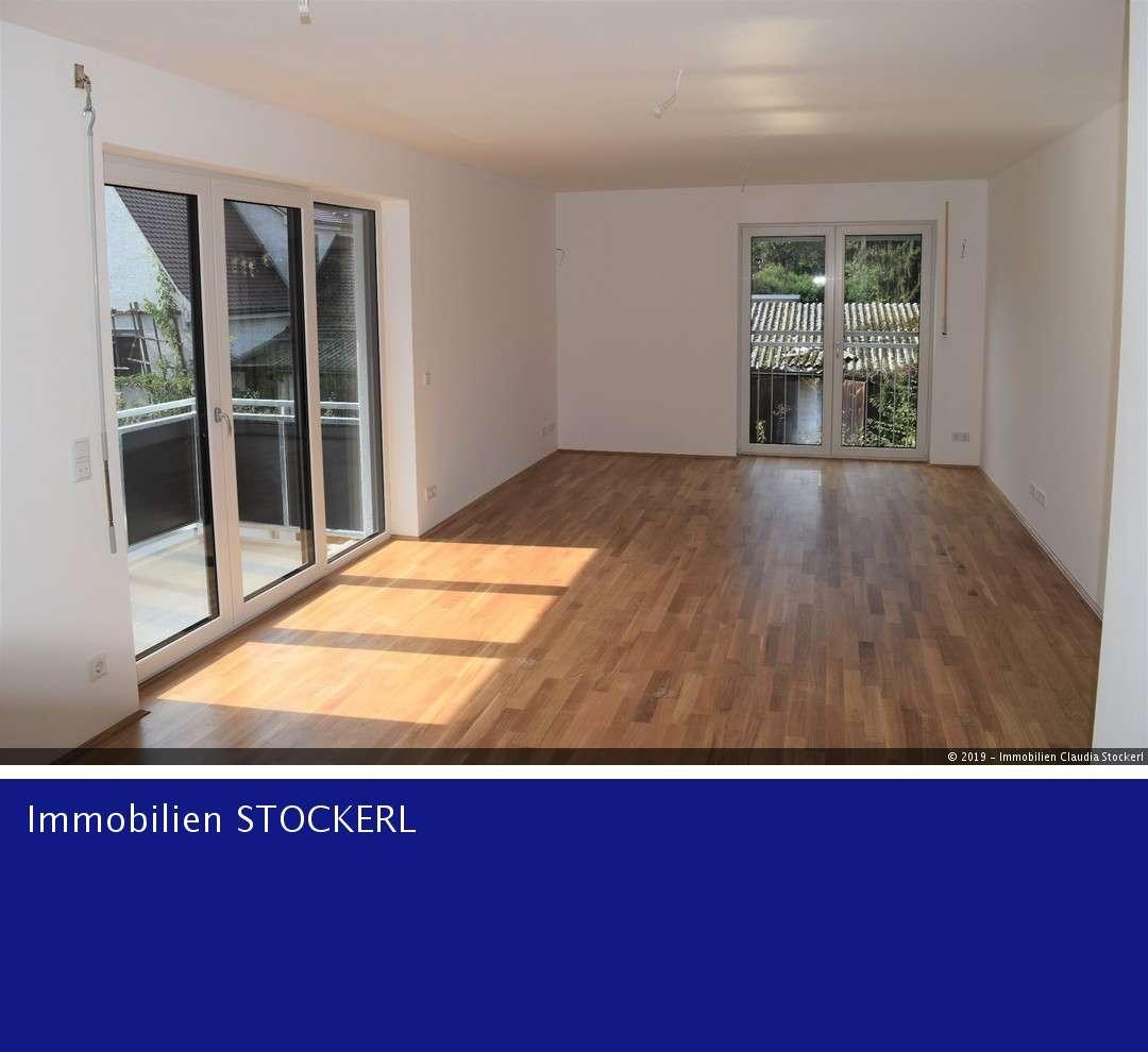 **Sonnige Wohnung mit  Balkon, EBK, TG-STP + Lademöglichkeit für E-Mobilität** in Kasernenviertel (Regensburg)