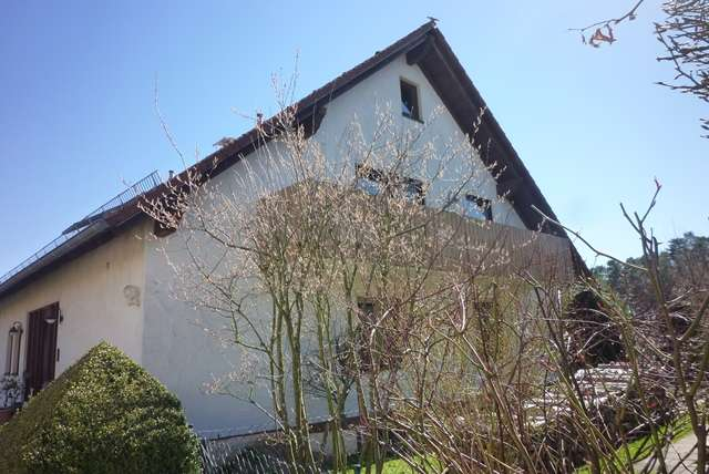 Dachgeschosswohnung am Ortsrand in