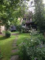ökologisches Fachwerkhaus mit Garten und