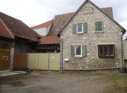 Vielseitige Nutzungsmöglichkeiten - ehemaliges Bauernhaus mit Nebengebäude, Scheune und Garten !