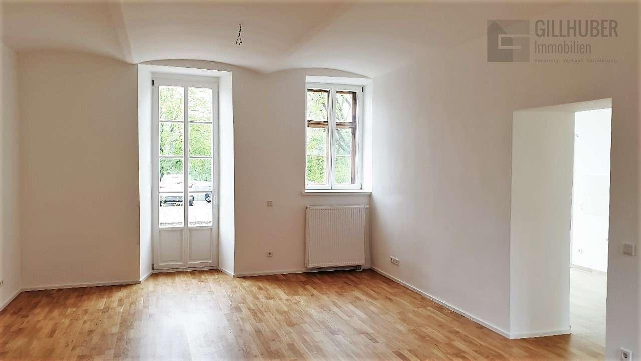 *** Erstbezug - 5.5-Zimmer-Wohnung mit Reihenhaus-Charakter, hochwertig und exklusiv *** in Obing
