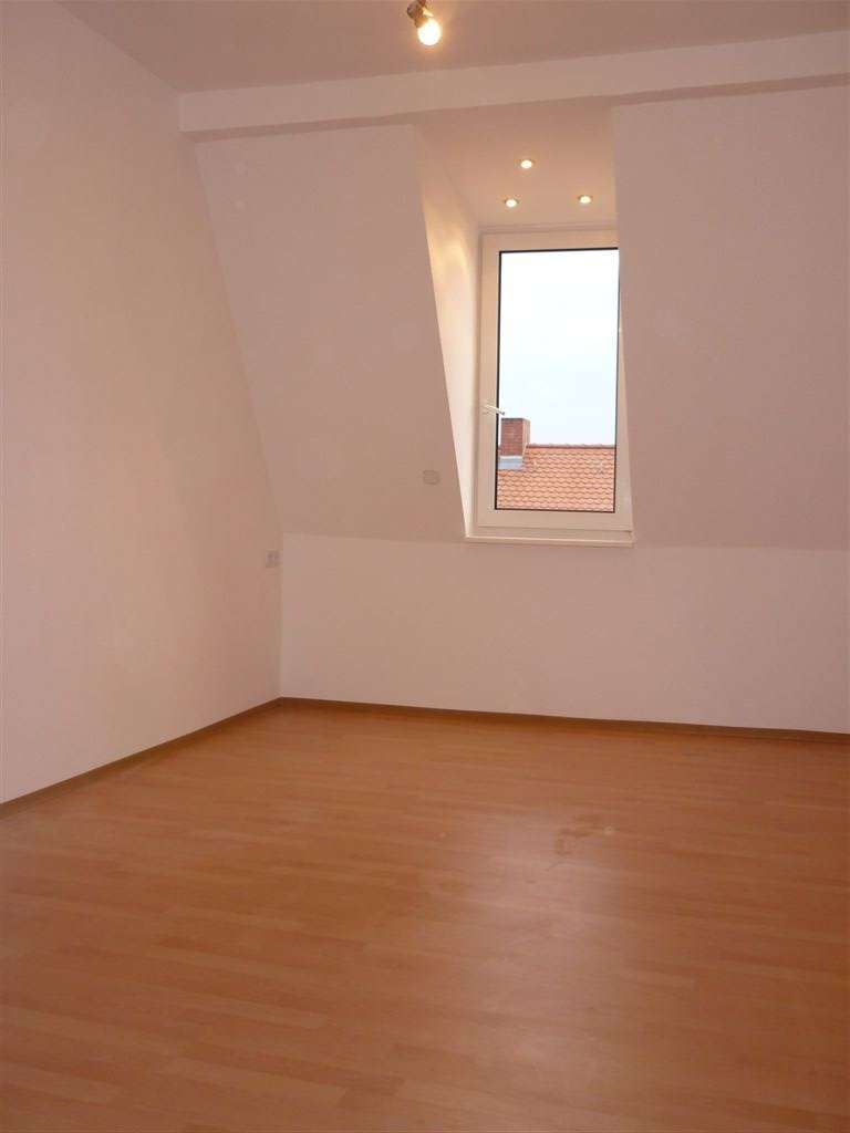Johannis, helle 2 1/2 -Zi.-Maisonette-DG-Whg., ca. 60 qm , Bad mit Wanne u. Fenster,  4.OG ohne Aufz in