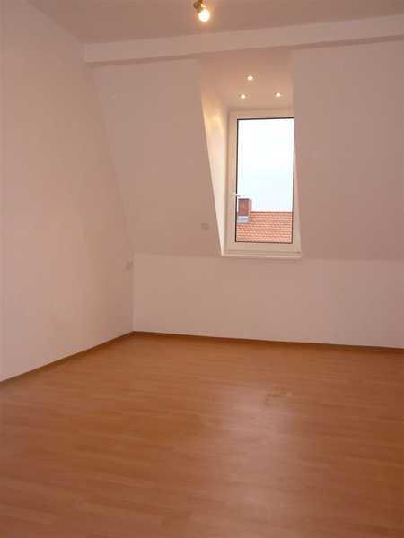 Johannis, helle 2 1/2 -Zi.-Maisonette-DG-Whg., ca. 60 qm , Bad mit Wanne u. Fenster,  4.OG ohne Aufz in Sandberg