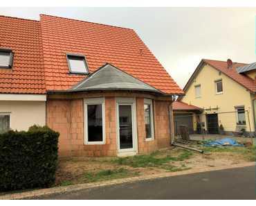 Schöne Doppelhaushälfte im Rohbau in gesuchter Lage des schönen Dorfes Hainfeld in Hainfeld