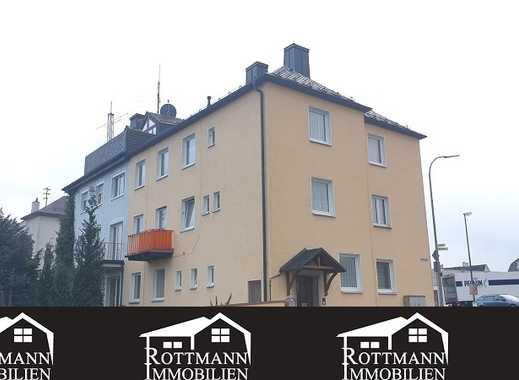 Mehrfamilienhaus in Helmbrechts, mit Balkon und Garage