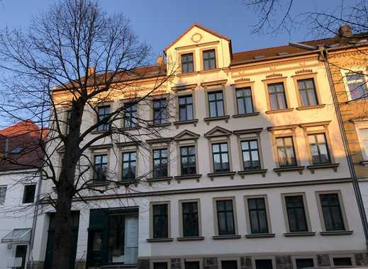 Attraktives Mehrfamilienhaus mit großen Balkonen und 4,8% Rendite